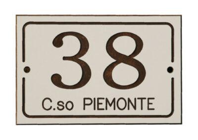 Numerazione Civica Incisa 2 | La Targa Cuneo | Targhe E Timbri Cuneo (Cn)