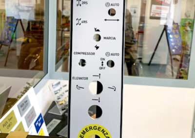 Etichette Adesive Per Industria 2 | La Targa Cuneo | Targhe E Timbri Cuneo (Cn)